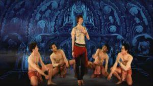 เนื้อเพลง รักบ่าวอีสานใต้ – จินตหรา พูนลาภ