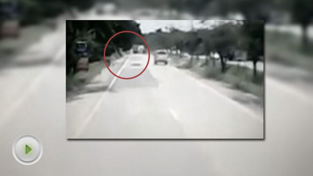 อุบัติเหตุ แบบนี้ใครผิด? (06-10-60)