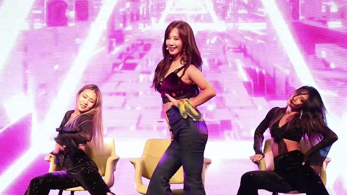ยูริ Girls' Generation โชว์แซ่บ Illusion ในงาน Annyeong Thailand, Sawasdee Korea 2019