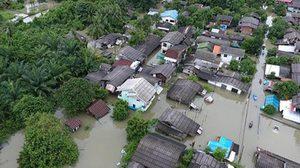 พระเจ้าอยู่หัวรัชกาลที่ 10 ทรงห่วงน้ำท่วมภาคใต้ พระราชทานของช่วย พสกนิกรปลื้มปีติ!!