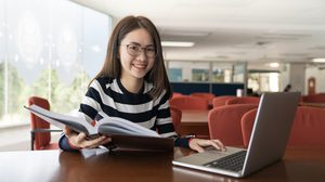 สถาบันภาษา มธ. ทดสอบภาษาอังกฤษ ผ่านคอมฯ ครบ 4 ด้านแห่งแรกในไทย