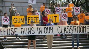 เทกซัสออกกฎหมายใหม่ ให้ นศ. พกปืนเข้าห้องเรียนได้