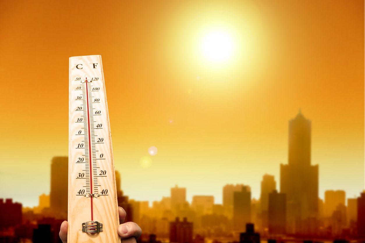 5 กลุ่มเสี่ยง ใครบ้างมีความเสี่ยงเกิด โรคฮีทสโตรก ในช่วงหน้าร้อน!!