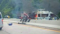 ระทึก! รถตู้นักแสดงซีรีส์ เกิดเพลิงลุกไหม้ ขณะลงดอยขุนตาลลำปาง