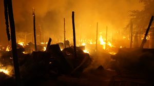 เกิดเหตุไฟไหม้สหกรณ์น้ำชำ-หัวฝาย จังหวัดแพร่ เสียหายนับ 10 ล้านบาท