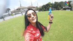 สวัสดีปีใหม่ไทย! ลาลีกา นำผู้ประกาศสาวสวมชุดแข่งชวนเล่นน้ำสงกรานต์อย่างปลอดภัย (คลิป)