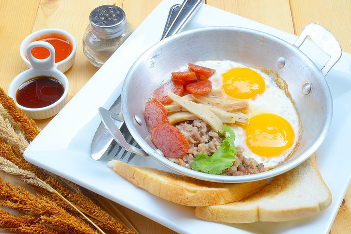 Indochina pan-fried egg with pork and toppings