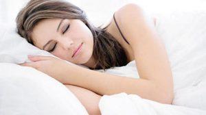 รู้หรือไม่ว่า คนที่ นอน มากกว่า 8 ชั่วโมง เสี่ยงตายเร็ว!