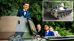 ซุปเปอร์คาร์ไม่ต้อง!! หนุ่มนักเรียนวัย 16 ปี นั่ง รถถัง เพื่อเดินทางไปร่วมงานพรอมแบบเท่ๆ