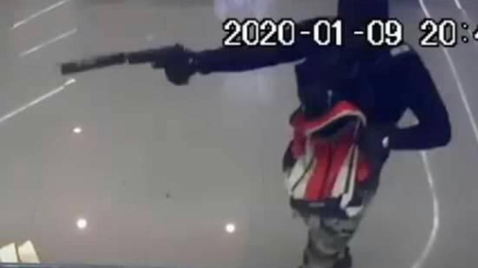 บุ๋ม ปนัดดา – แทค ภรัณยู จี้ประหาร คนร้ายปล้นทองกราดยิงคนเสียชีวิต
