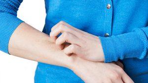 ไขข้อสงสัย ทำไมผู้สูงอายุ เสี่ยงเป็นโรคงูสวัด เป็นแล้วพันรอบตัวตายได้ จริงไหม?