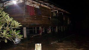 ฝนถล่มตาก น้ำป่าไหลหลาก ท่วมบ้านเรือนประชาชนจำนวนมาก