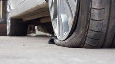 ยางรถยนต์รั่ว ต้องรู้ไว้ ปะยางแบบแทงใยไหม รวดเร็วฉับไว ไปต่อได้เลย