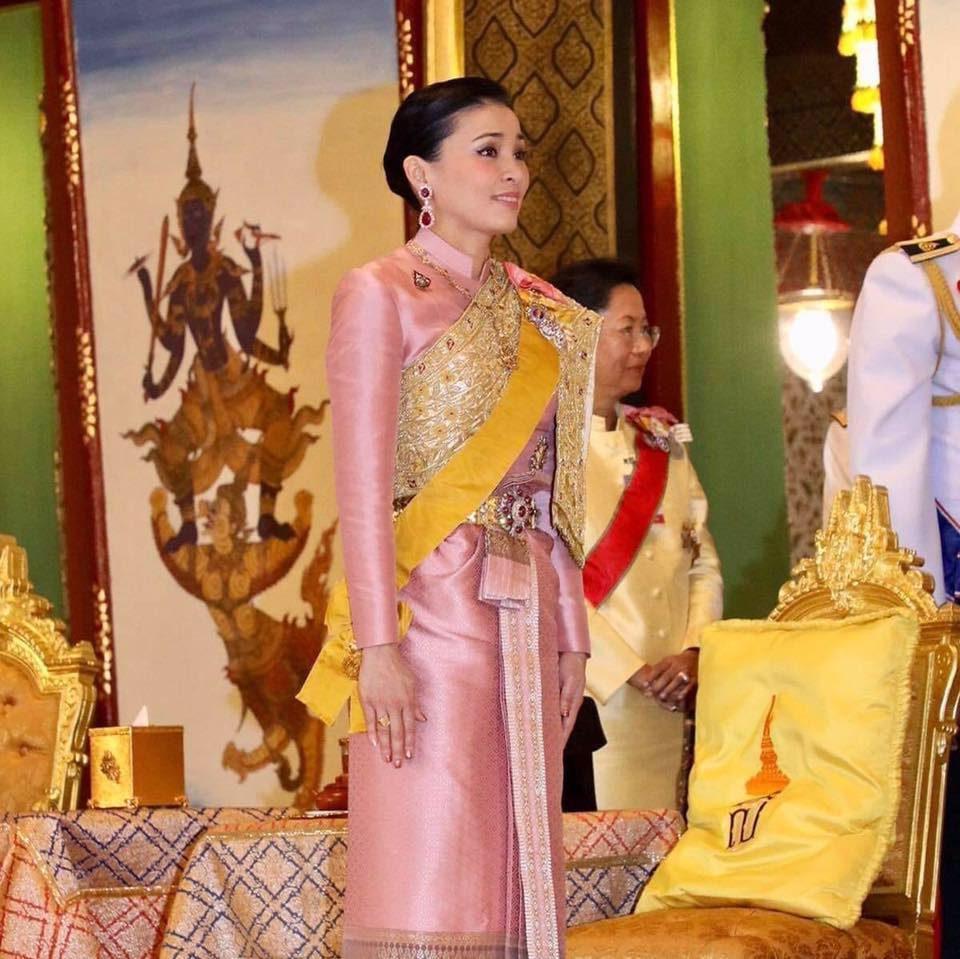 3 มิ.ย. ของทุกปี เป็นวันเฉลิมพระชนมพรรษา สมเด็จพระราชินีสุทิดา