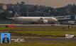 เครื่องบินลงจอดฉุกเฉินหลังชนนกในออสเตรเลีย