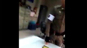 คลิปหนุ่มขับวินฯ โวยตำรวจ หลังถูกจับไม่สวมหมวกกันน็อคให้ลูก