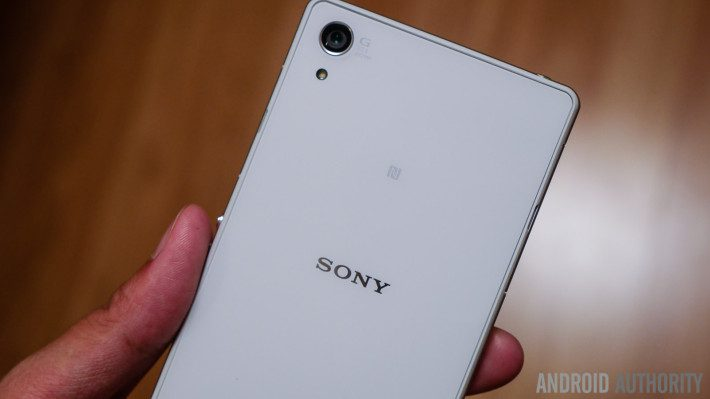 sony-xperia-z2-unboxing-15-of-24-710x399