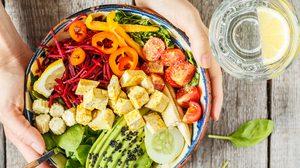 5 ประโยชน์ของสลัดผัก หุ่นดี ผิวสวย แถมสุขภาพดี ไม่กินไม่ได้แล้ว!!