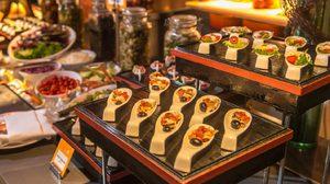 แค่ 499++ กับบุฟเฟ่ต์นานาชาติมื้อกลางวันสุดหรู ที่ห้องอาหาร The Square ( เดอะ สแควร์ ) @ Novotel Platinum
