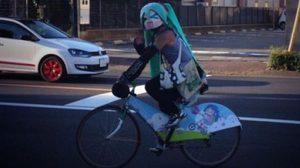 นักแข่งจักรยานลึกลับ Hatsune Miku!?