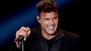 He Bangs! นักร้องดัง Ricky Martin คุกเข่าขอแฟนหนุ่มแต่งงาน!!
