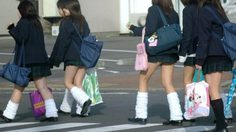 แฟชั่นถุงเท้านักเรียนสุดฮิตของสาวญี่ปุ่น ที่เดินไปไหนก็ดูมีเสน่ห์