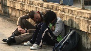 ตำรวจเกลี้ยกล่อมเด็กหญิง น้อยใจพ่อ-แม่ ทะเลาะกันบ่อยจนคิดจะโดดสะพาน