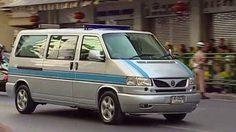 Volkswagen Caravelle V6 รถพระที่นั่ง ที่ใช้อัญเชิญพระบรมศพของพระบาทสมเด็จพระเจ้าอยู่หัวรัชกาลที่ ๙