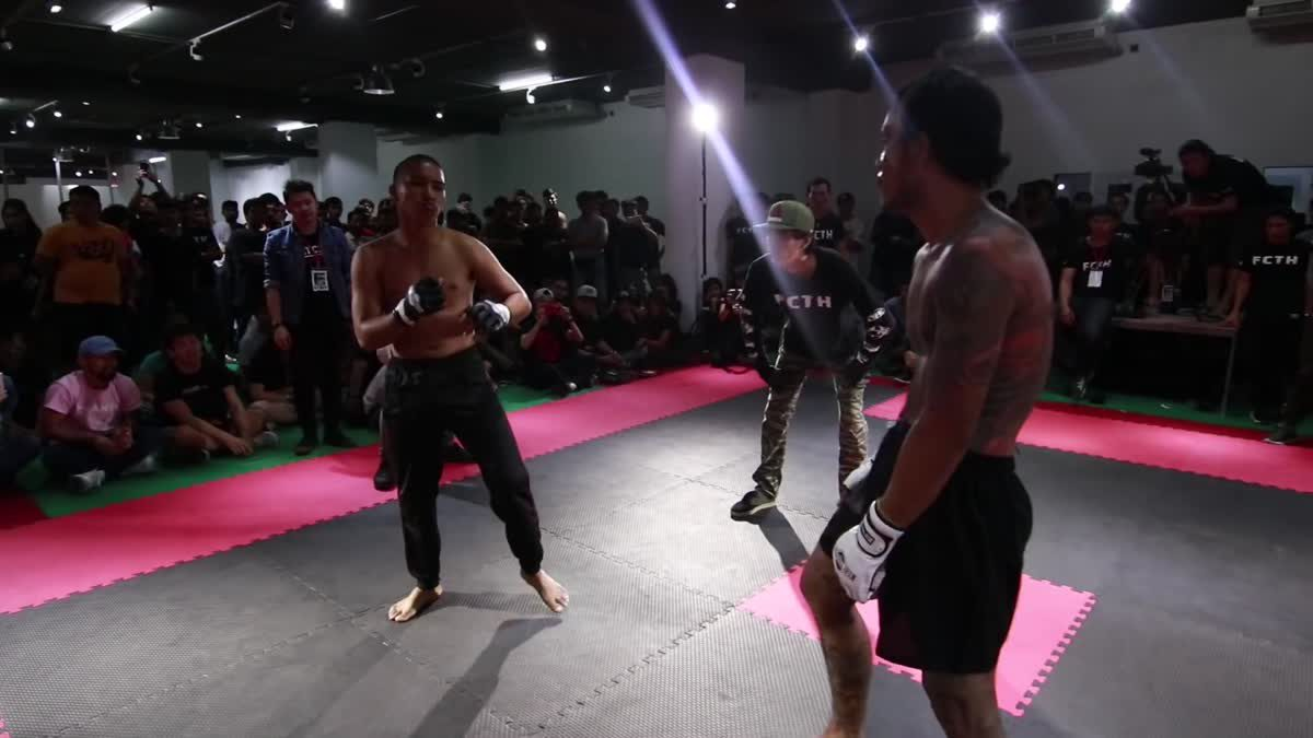 Fight Club Thailand 2017 นุ๊ก jaiwhite x เสือดุสิต คู่ที่ 208