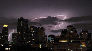 อุตุฯ เผย ทั่วไทยมีฝนต่อเนื่อง กทม.ฝนฟ้าคะนอง 70%