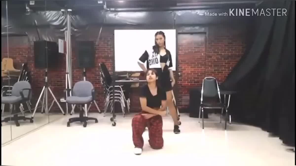"""แฟนเพลงแห่เต้นคัฟเวอร์แดนซ์ """"ใครมีแฟนออกจากแก๊งเราไป""""!"""