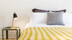 3 ทริคง่ายๆ ช่วย ป้องกันแมลง บินเข้าห้องนอน