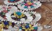 ชาวบ้านเร่งผลิตกระทงดอกไม้ประดิษฐ์จากต้นโสน