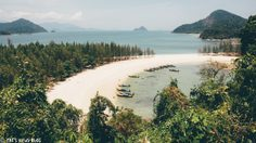 น้ำใส ทรายขาว เงียบสงบจนอยากจะทิ้งตัว ที่หมู่เกาะกำ จ.ระนอง