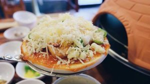 Pizza D.I.Y ทำเองได้ง่ายๆ เพียง 5 นาที ที่ร้าน Cheers Bar & Seafood