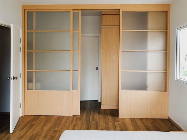 บานประตูเลื่อนแบบญี่ปุ่น