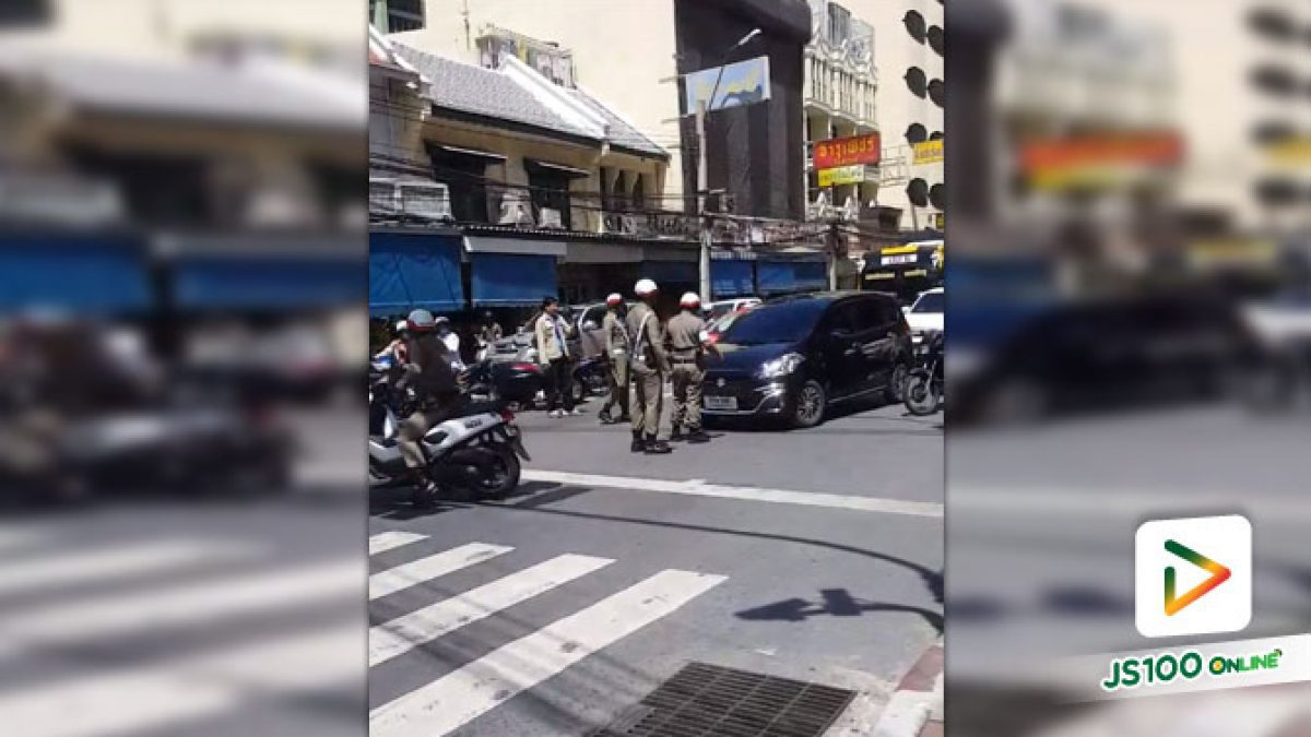 คลิปตำรวจจะล๊อคล้อเก๋งจอดในที่ห้ามจอด แต่เจ้าของไม่ยอม ขับรถพยายามจะหลบหนี (05-07-61)