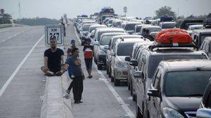 อินโดฯ วิปโยค รถติดนาน 20 ช.ม. เหนื่อยตายคารถ 12 ศพ