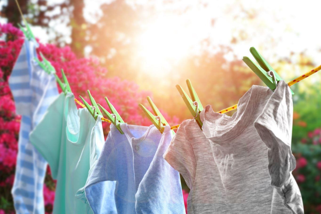 ดูแลเสื้อผ้าอย่างไร ให้สีคงความสดเหมือนใหม่