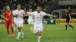 ผลบอล : ไม่ได้ใจแฟน!! สเปน ลิ้นห้อยบุกเฉือนหวิว มาซิโดเนีย 2-1 คัดบอลโลก กลุ่มG