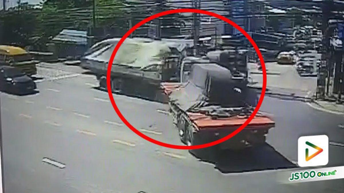 นาที! รถบรรทุกชนรถบรรทุก หน้าซอยโรงเหล็ก จ.สมุทรปราการ บาดเจ็บ 3 คน (26/08/2020)