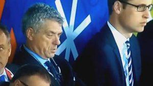 น่าเบื่ออะไรเบอร์นั้น!บิ๊กยูฟ่านั่งหลับระหว่างเกมอังกฤษกับสโลวาเกีย
